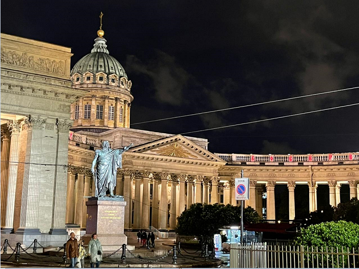 Saint Petersburg: The City always gorgeous in day and night