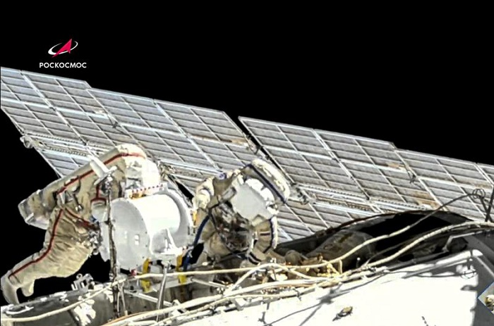 2 Russian crew do spacewalk at International Space Station