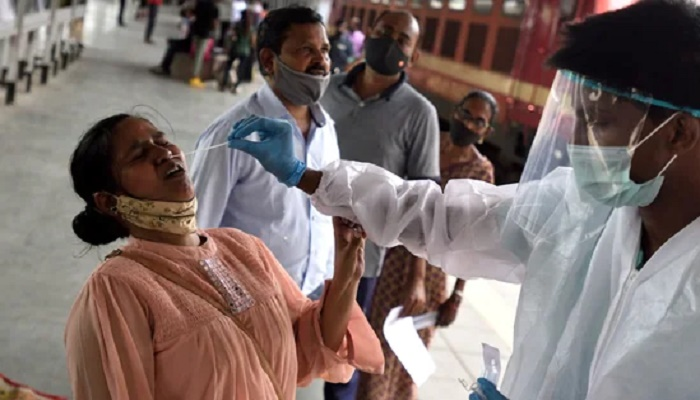 India clocks 132,788 lakh new Covid-19 cases, sees rise in single-day infection and deaths