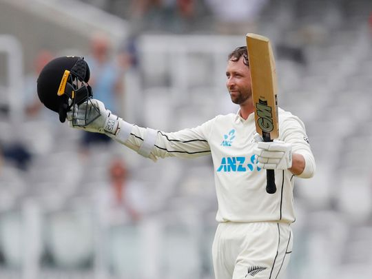 Conway's debut ton gives New Zealand the edge over England