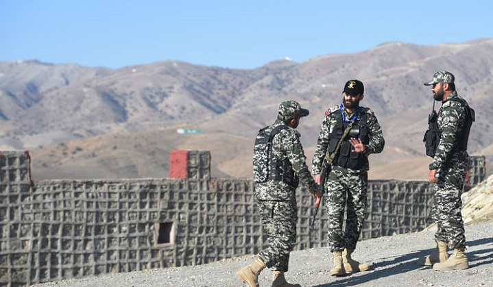 Militants in twin attacks kill 4 troops in southwestern Pakistan