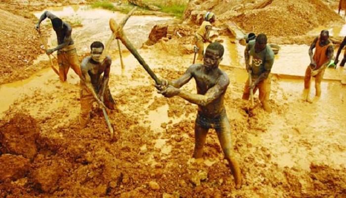 Nine dead in Ghana gold mine collapse: police