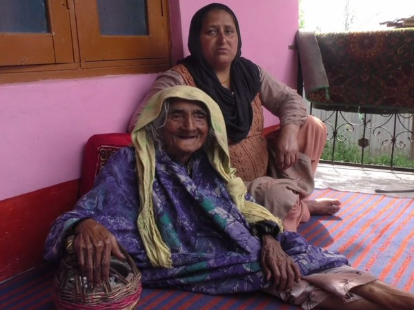 124-yr-old woman from J-K's Baramulla receives first dose of COVID-19 vaccine