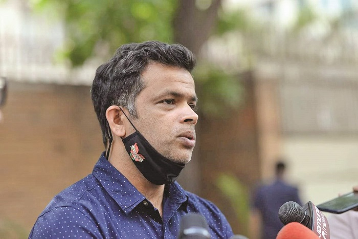 Razzak hints at rotation policy for Zim series