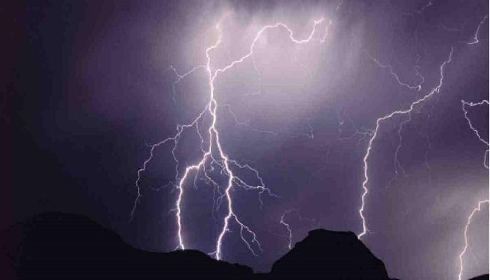 2 children killed by lightning strike in Feni