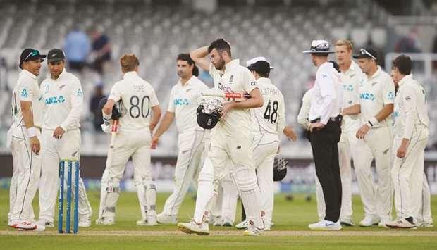 England labour to New Zealand draw