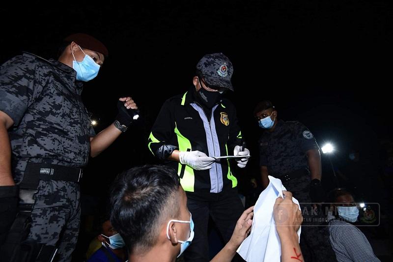 Malaysia detains 156 expatriates including 62 Bangladeshis