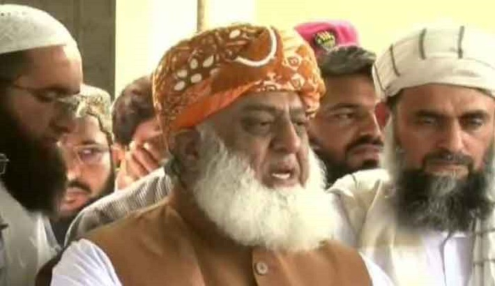 'PTI will extend its term if we run away from mass resignations'