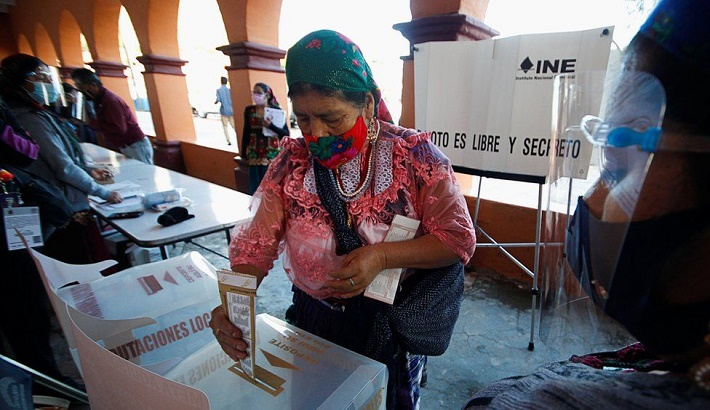Mexico elections: President's majority to shrink after crime-hit poll