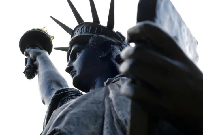 Lady Liberty's little sister sets off for United States