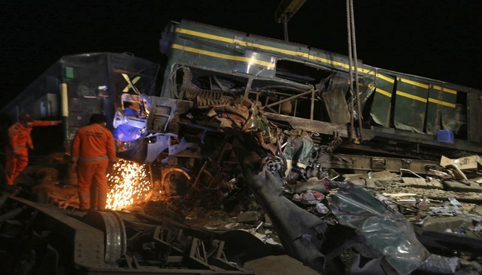 Death toll from Pakistan trains collision rises to 63