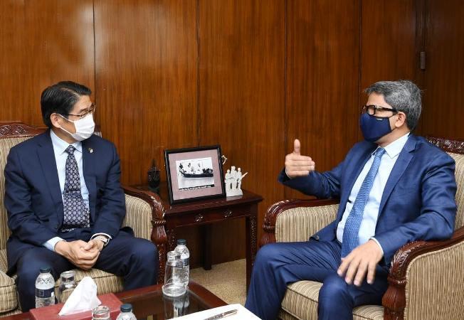 Bangladesh, Japan agree to work together for tackling Covid-19, Rohingya crisis