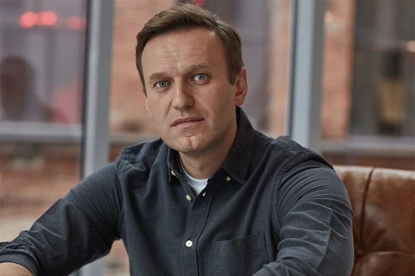Russian court brands Navalny political organisations 'extremist'