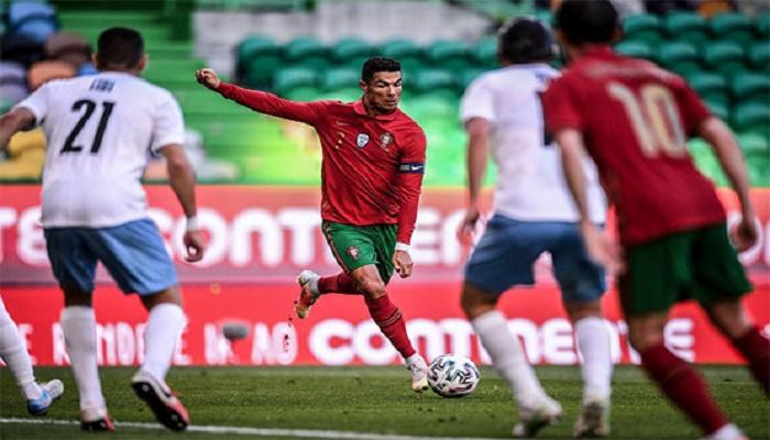 Cristiano Ronaldo scores as Portugal breeze past Israel