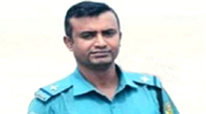 Cop killed as microbus hit him in Chattogram