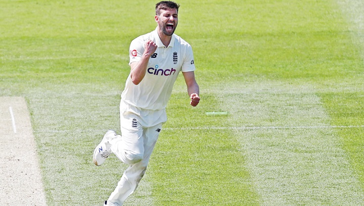New Zealand's Henry leaves England reeling in second Test