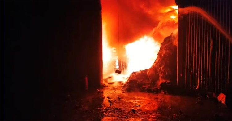 Hundreds of shanties gutted in fire at Tongi