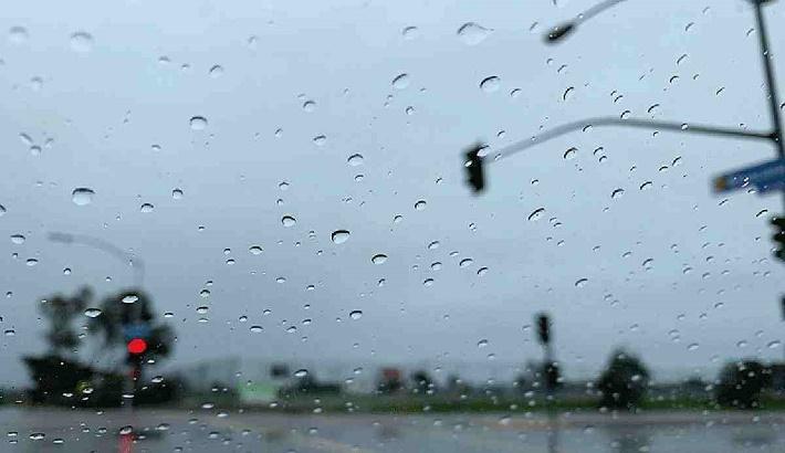 Light to moderate rain, thundershowers likely