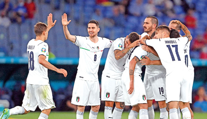 'Dominant' Italy get off to impressive start