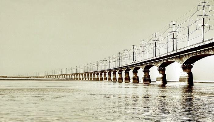 Two killed as vehicles collide, causing 14-km traffic jam on Bangabandhu Bridge