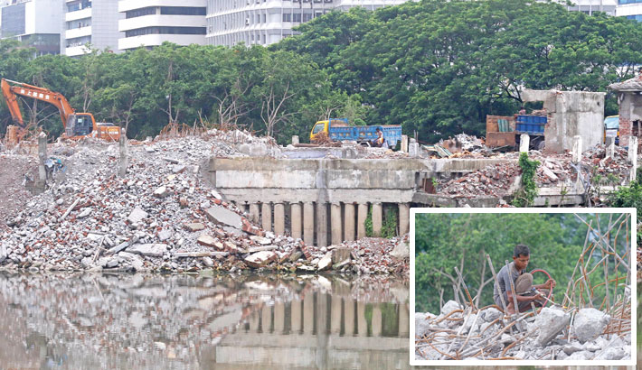 Removing 'A Cancer on Hatirjheel Lake'