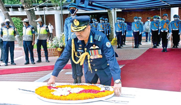 Chief of Air Staff Air Marshal Shaikh Abdul Hannan pays tribute to Father of the Nation Bangabandhu Sheikh Mujibur Rahman by placing a wreath at the grave of Bangabandhu in Tungipara of Gopalganj on Monday.      —ISPR PHOTO
