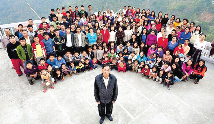 Head of 'world's largest family' passes away