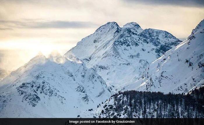 Five die in plane, glider crashes in Swiss Alps