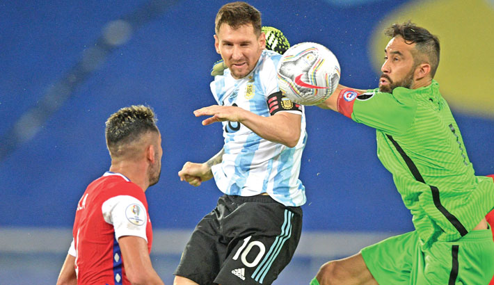 Messi frustrated after Argentina draw with Chile