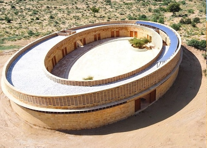 This school made of sandstone in the middle of Thar Desert needs no ACs