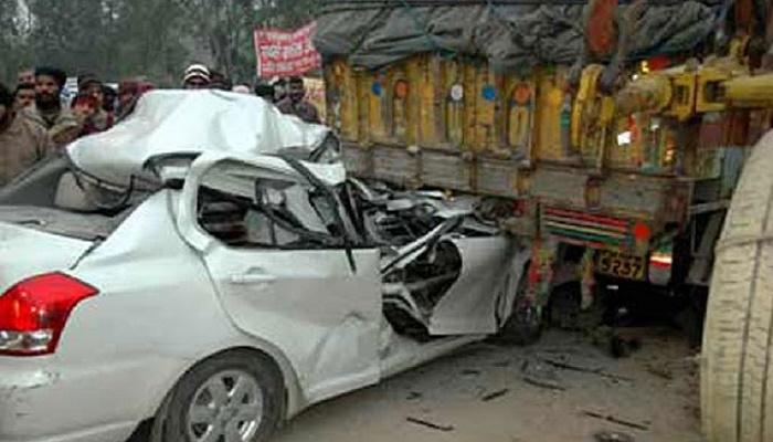 10 killed in car-truck collision in India's Gujarat