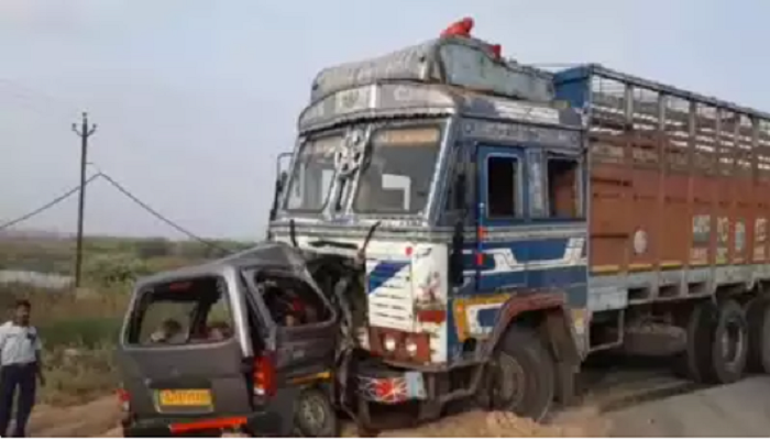 Road crash kills 10 in India