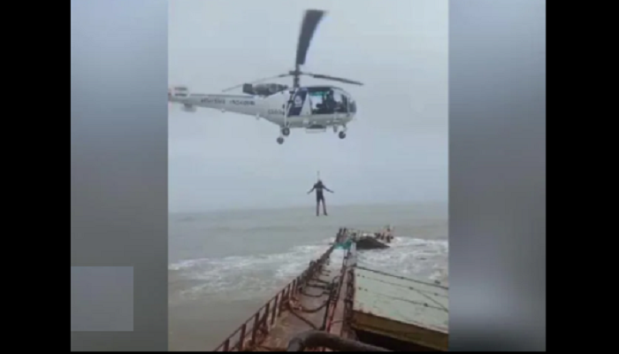 Indian Coast Guard helicopters rescue 16 from sinking vessel (video)