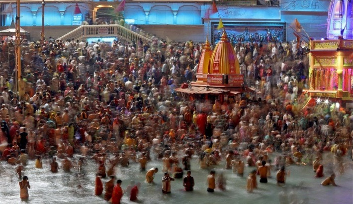 Inquiry into 'fake Covid tests' at India's Kumbh Mela