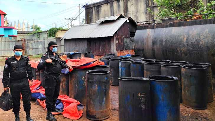 Fake bitumen-mobil-diesel factory busted in Cumilla, 2 jailed