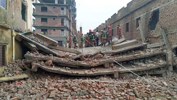 Under-construction building collapses in Rajshahi