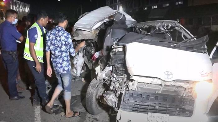5 killed in truck-microbus collision in Narsingdi