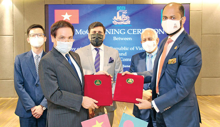 DCCI signs MoC with Vietnam to boost trade