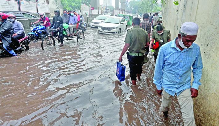 15mm rain submerges parts of city