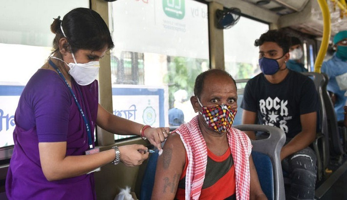 India vaccinates eight million in a day