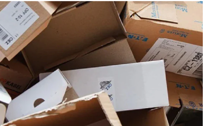 Woman receives hundreds of Amazon packages by mistake