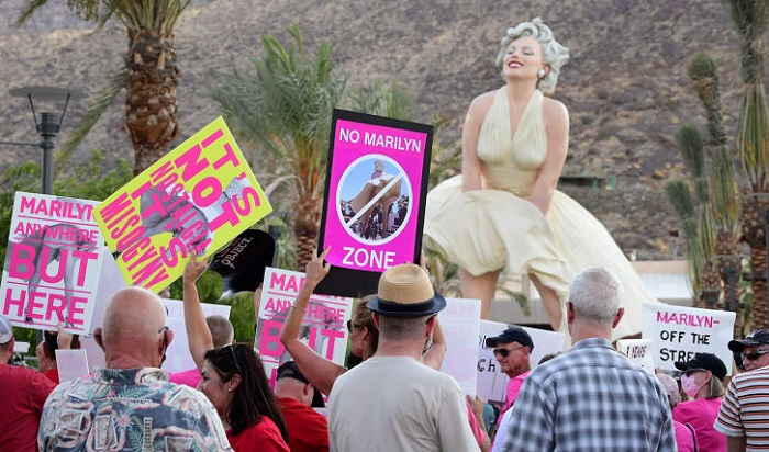 'Sexist' Marilyn Monroe statue installed in Palm Springs amid widespread opposition