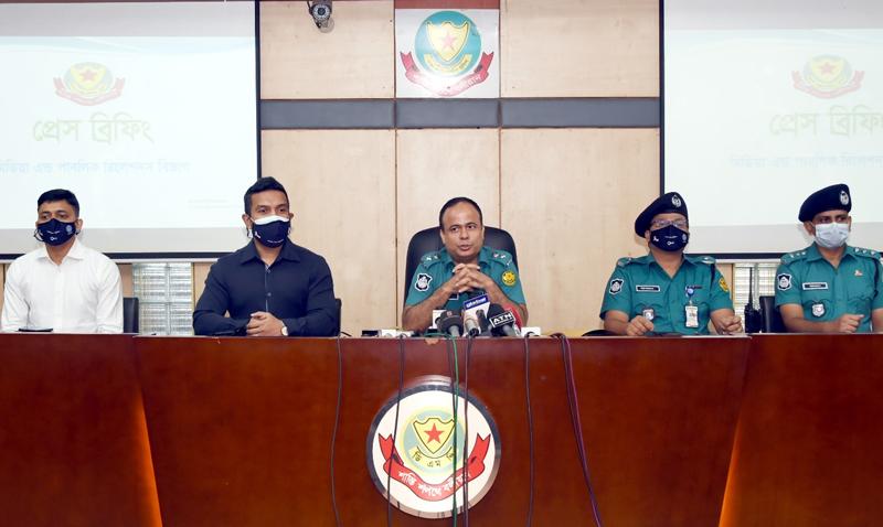 5 'teen gang members' held in city