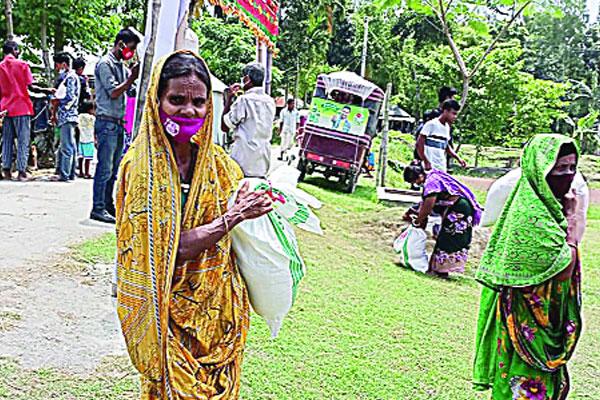 Bashundhara Group spreads joy among the underprivileged in Lalmonirhat