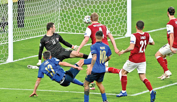Italy see off Austria to join Denmark in Euro quarters