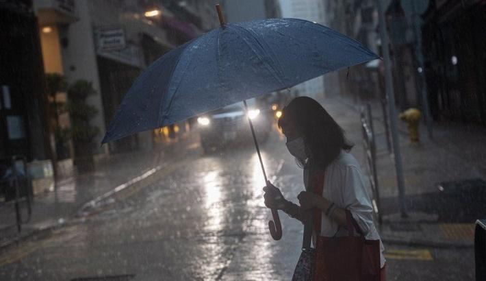'Black rainstorm' warning delays Hong Kong trading