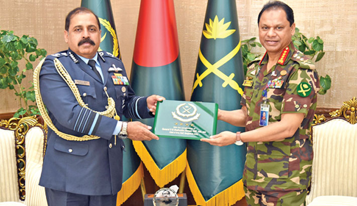 Indian Air Chief calls on Army Chief