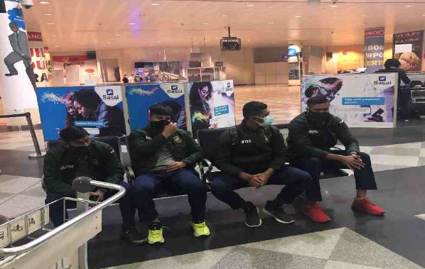 Tigers arrive in Harare for a long tour