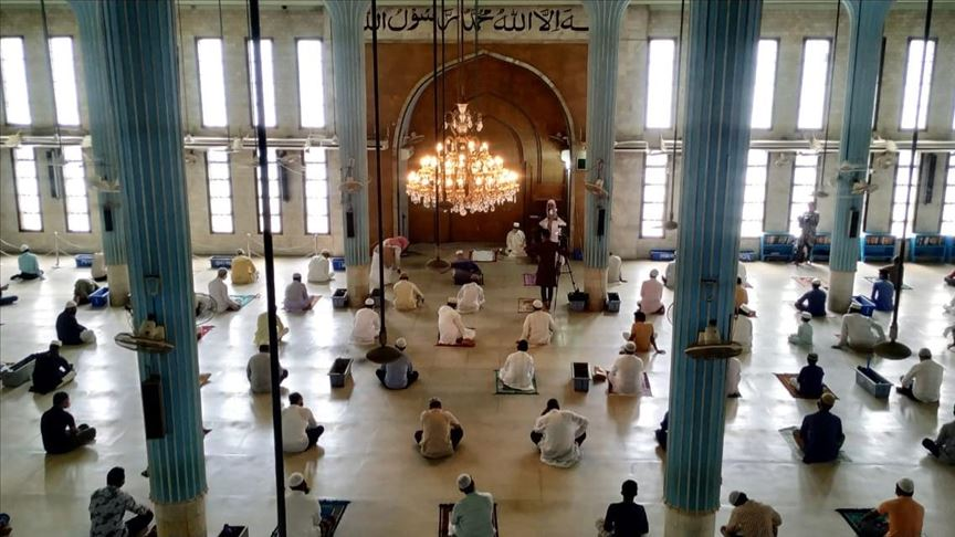 Covid lockdown: Govt issues mandatory guidelines for offering prayers at mosques
