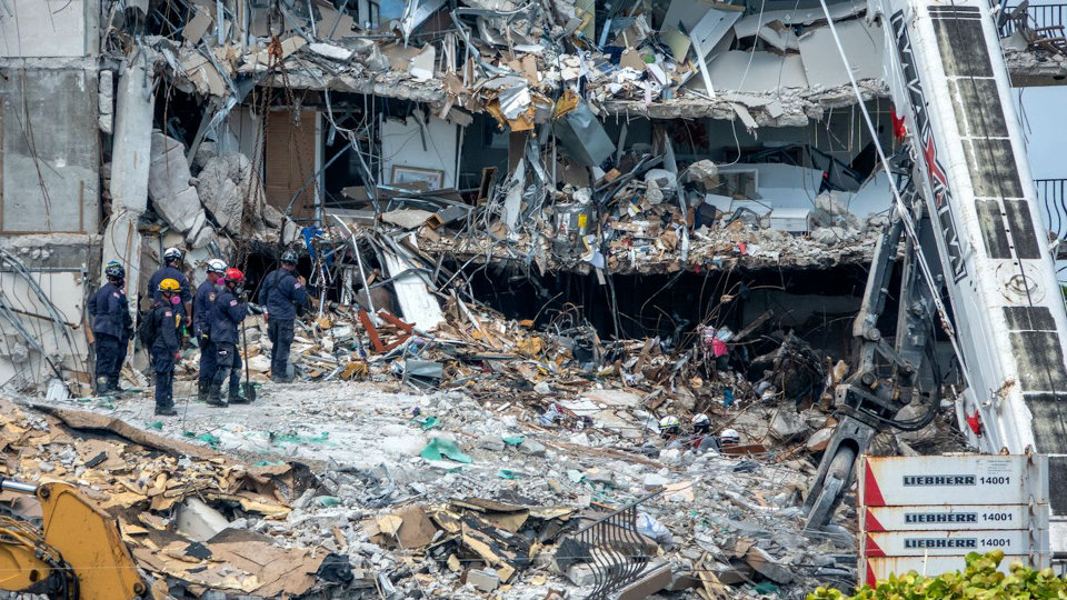 Death toll rises to 18 in US condo collapse